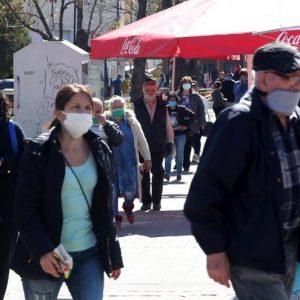 От четвъртък – с маски и на открито