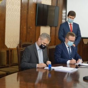 Подписаха договора за доставка на 20 електробуса