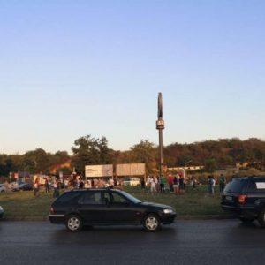 """Протестиращи блокираха Дунав мост, искат да влязат и в """"Линамар"""" (видео)"""