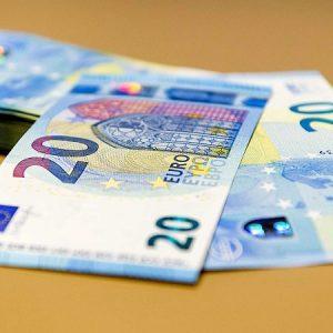Румънец опита да се откупи с 20 евро за неправилно паркиране