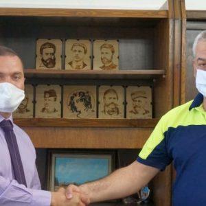 Русенец дари пирографии на български възрожденци на града