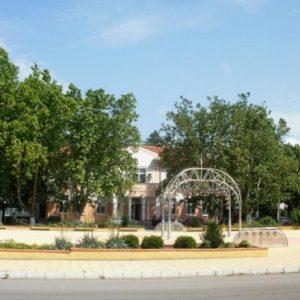 Сливо поле обновява спортната си база, Вальо Йорданов дарява нов тепих