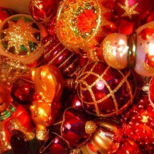 """Старостилните"" държави празнуват Старата Нова година"