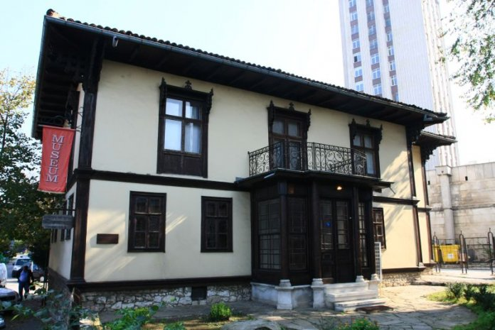 Две музейни експозиции в Русе
