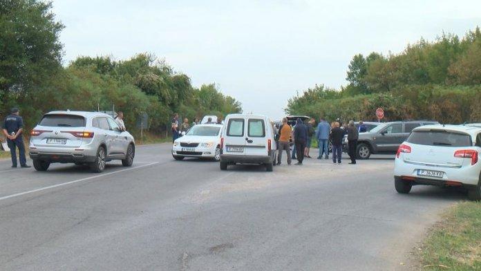 За втори път протестиращи затвориха пътя