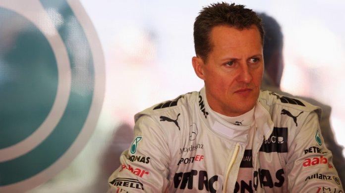 Михаел Шумахер е приет в болница