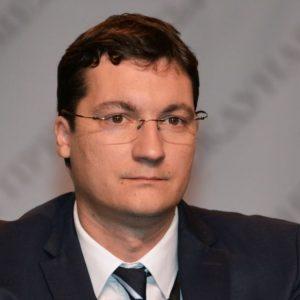 Крум Зарков се опълчи срещу Нинова за подкрепа на кабинет на ИТН