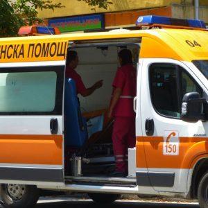 Невръстен колоездач пострада след като се блъсна в спрял автомобил