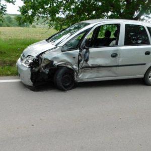 Пиян и дрогиран открадна кола и катастрофира с нея