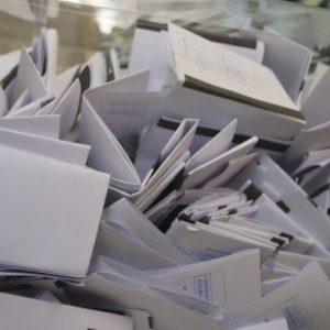 Разпределение на мандатите по избирателни райони