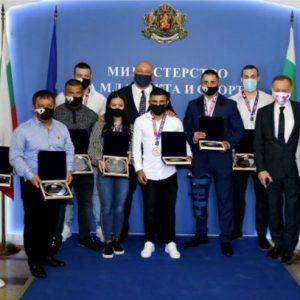 Русенските шампиони с награди от спортното министерство